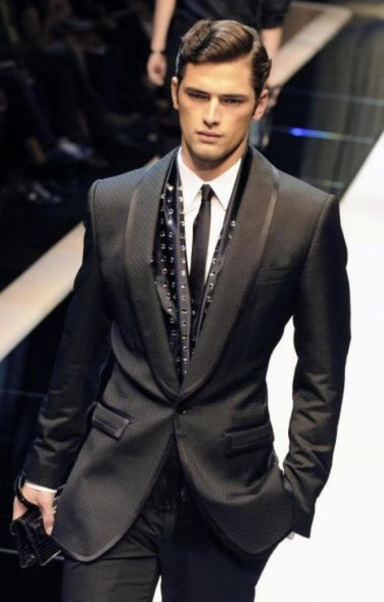 Known for their particularly elegant suits, Canali is one of the top ten suit brands for men because of their exceptional materials, often made of natural fibers. While Canali is certainly fashionable, many men that find they want a more traditionally-styled suit than they would get with a runway-ready company like John Varvatos will prefer Canali.