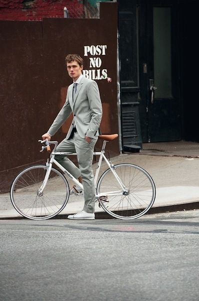 Men Suits with Sneakers (13)
