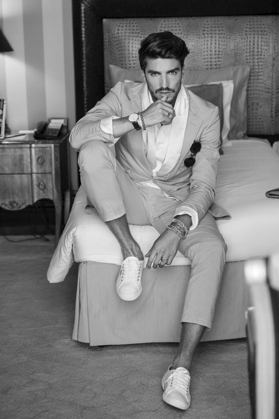Men Suits with Sneakers (18)