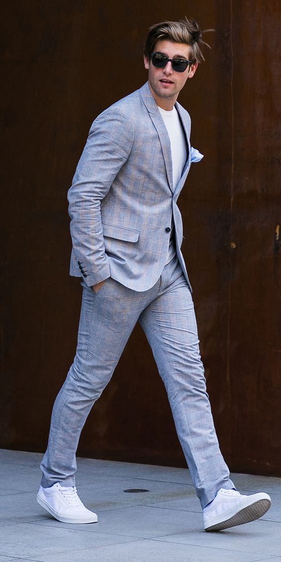 Men Suits with Sneakers (20)