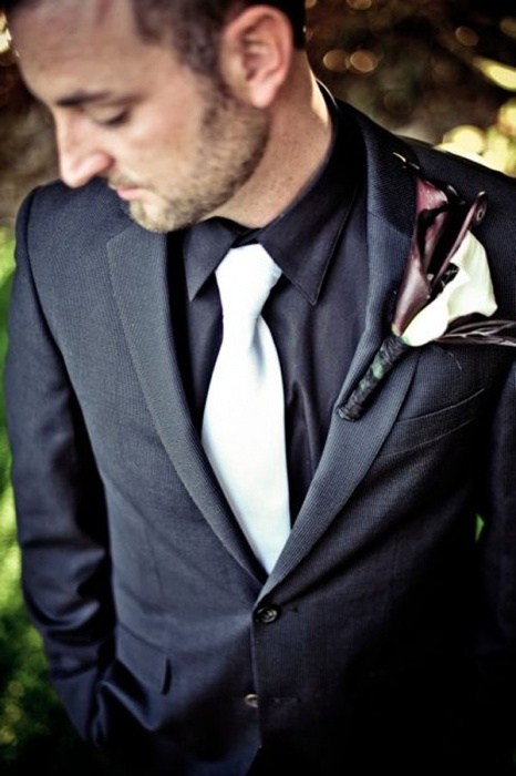 Dark grey suit with black shirt and white tie | Mens Suits Tips