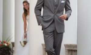 Fitting Charcoal Grey Men Suits