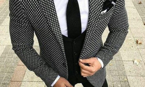 Different Use Forms of Men Suits