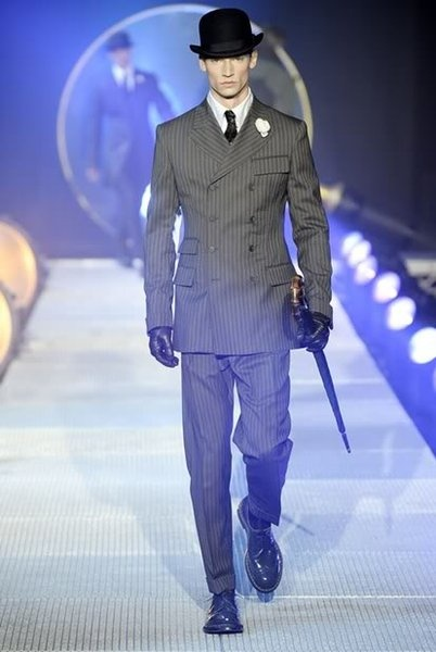 Nice Suits Models for Tall Men