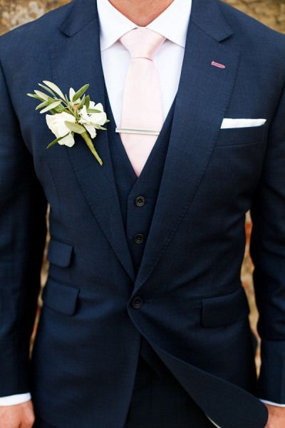 traditional black men's suits
