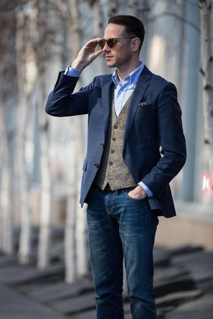 10 Suit Jacket Details Every Gentlemen should Know About - Stylishwife Find this Pin and more on Men's fashion by Филип Стојковски. Wear a suit jacket with jeans is never wrong, but in casual style!