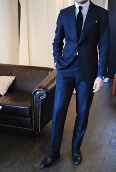 Navy Blue Suits - Mens Suits Tips