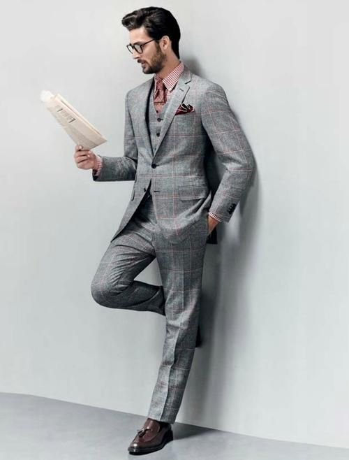Grey patterned three piece men suit