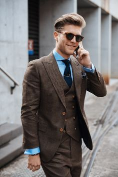 Brown men suit with blue shirt | Mens Suits Tips