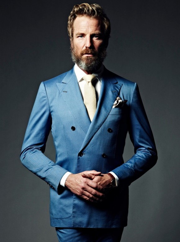 Dark blue suit with white tie | Mens Suits Tips